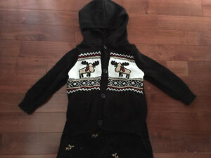 Gymboree 2 piece hooded sweater and pant outfit size 6-12 mths Kitchener / Waterloo Kitchener Area image 2