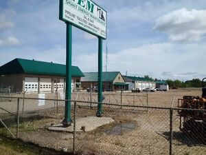 Industrial Complex for Sale or Lease 5 Acres ; 10 bays ; Office