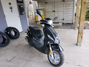 2014 Piagio '150' Fly Scooter
