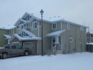 Sherwood Park Duplex for rent
