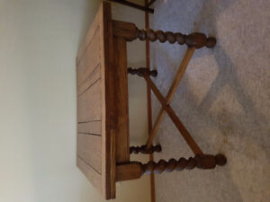 Solid Oak Dining Table & Oak Chairs