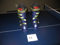 ski boots sizes 25 and 25.5{men's 7 &7.5. Women's 8 & 8.5}