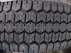 4 UNIROYAL TIGER PAW ICE SNOW 185 60 15 WINTER TIRE HIVER