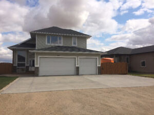 4bdrm, 3bath. 4 level split. Grand Coulee