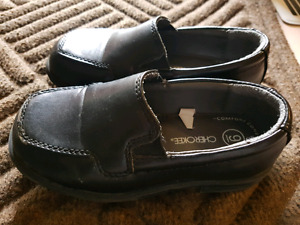 Toddler Boys  Black dress shoes size 9  worn once