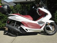 Honda PCX 2013 Scooter 1500 Km, New condition