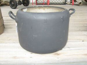 UNUSUAL DOUBLE-HANDLED OLD VINTAGE FLAT-BOTTOMED GALVANIZED POT