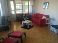 4-1/2 Rockhill appartement (SOUS LOCATION)