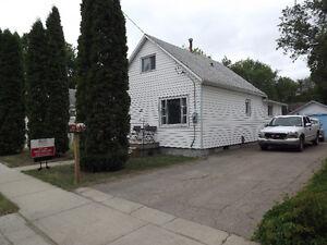 329 4th Street Weyburn, SK