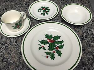 Christmas Dishes - great set Cambridge Kitchener Area image 1