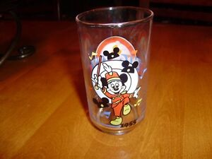 VINTAGE MICKEY MOUSE GLASSES AND MUGS Windsor Region Ontario image 4