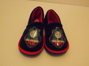 Thomas Sleeppers Size 7-8 (Excellent Condition)