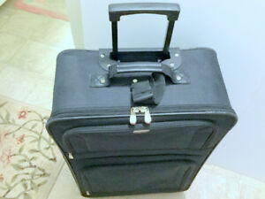 Luggage (27'' x 17'') Rolling Suitcase Black 2 Wheels f. Bentley