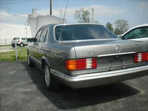 1989 Mercedes 300 se,drastically reduced.