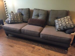 Living room furniture; sofa, loveseat, chair, coffee & end tabl