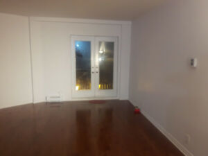 Big Spacious, Bright  4 1/2 Condo for Rent