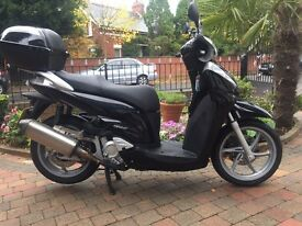 Honda sh300 spotless -extras long mot £1999