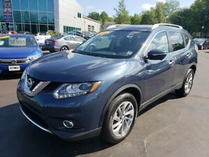 2015 Nissan Rogue SL / Leather / Nav