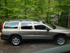 2004 Volvo XC (Cross Country) 2.5T AWD Familiale