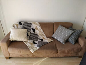 3 cushions - very good condition