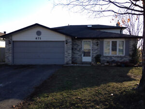 Perfectly located 3 BDRM upper- oriented family area of Midland