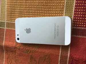 iPhone 5s 16gb carrier chatr and rogers brand new