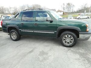 2004 Chevrolet Avalanche 5.3 litre tax included Pickup Truck