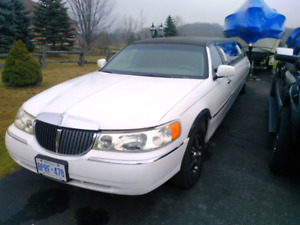 2000 Lincoln Town car Limo