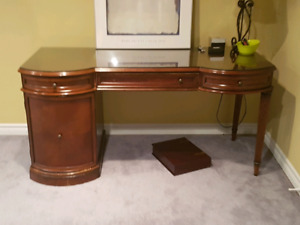Bombay desk. 800 new. Free Delivery. Throught GTA