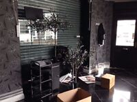 SHOP TO LET - OFFICE, SALON, BARBER, MULTIPLE USE IN RIVERSIDE - FLEXIBLE TERMS