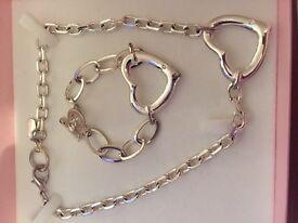 JLO necklace and bracelet