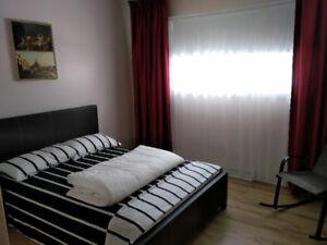 Chambres à louer par jour-semaine/Rooms for rent per day-week
