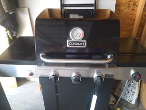 Gas BBQ -  working well 50$