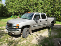 2004 GMC Sierra Duramax 2500 slt 4 dr shrtbx leather