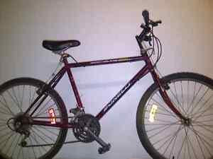 """Vélo Bonelli en bonne condition,26"""",18 vitesses seulement 140$."""