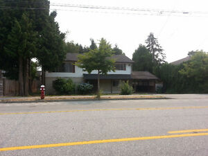 5 BR HOUSE (2 fl.) in RICHMOND (Granville & # 1 Road)