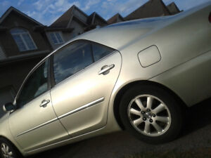 Selling  toyota camry 2002