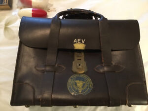 VINTAGE 1960s ALL LEATHER DOCUMENT CASE U.S. ARMY RESERVE