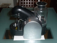 Nespresso D290 with built in Milk Frother