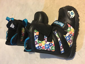 Like new Girls youth Burton Snowboard boots size 4