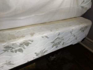 Simmons Queen size box spring.