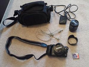Olympus E-520 10MP DSLR w/ 2 Lenses