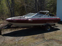 19 feet bayliner with a 90 hp force engine