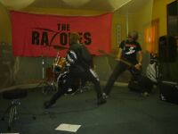 WANTED....BASSIST OR SINGER AND DRUMMER FOR THE RAZONES