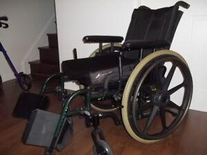 Fauteuil roulant, siege toilette  ,barre de soutien