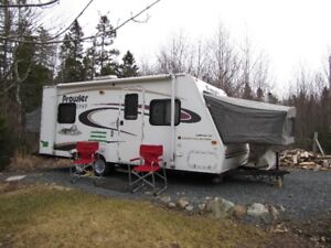 2004 23' Fleetwood Hybrid Travel Trailer