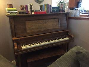 Free Piano (in working condition)