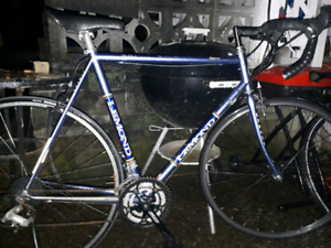 3 road bikes $275 each INDIE3/DEVINCI/LEMOND