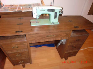 Sewing machine a coudre White modele: 1365