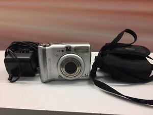 Appareil photo numérique Canon A520 + 2 étuis